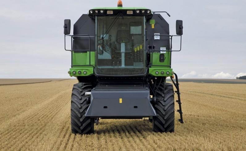DEUTZ-FAHR Kombajn Seria 6040 - autopolmozbyt grójec maszyny rolnicze